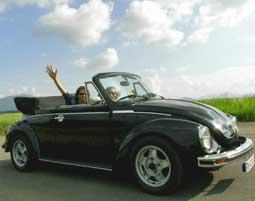 VW Kaefer Cabrio fahren bei Muenchen