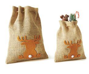 Jutesäcke sind perfekt geeignet für kleine Kundengeschenke. Mit putziger Elch-Silhouette, Maße: klein ca. 23 x 19 cm, groß ca. 30 x 22cm, Material: Jute.<br>