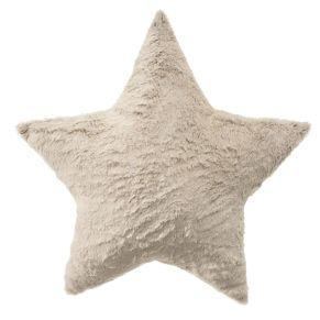 Kuscheliges, gefülltes Sternkissen in Felloptik. Maße: ca. 50 x 50 cm, Gewicht: ca. 0,4 kg, Material: 100% Polyester.<br>