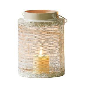 Mit weißem Shabbyfinish. Antik-Finish, mit Glaseinsatz, Maße: ca. Ø 17 x H32 cm, Teelichtglas ca. Ø 9 x Höhe 10 cm, Gewicht: ca. 0,44 kg, Material: Metall, Glas.<br>