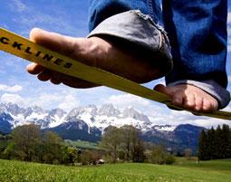 """""""Walk the Line"""" – Willkommen in der Welt der Balance!"""