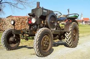 Steuern Sie tolle Oldtimer-Traktoren, Schlepper und Zugmaschinen!