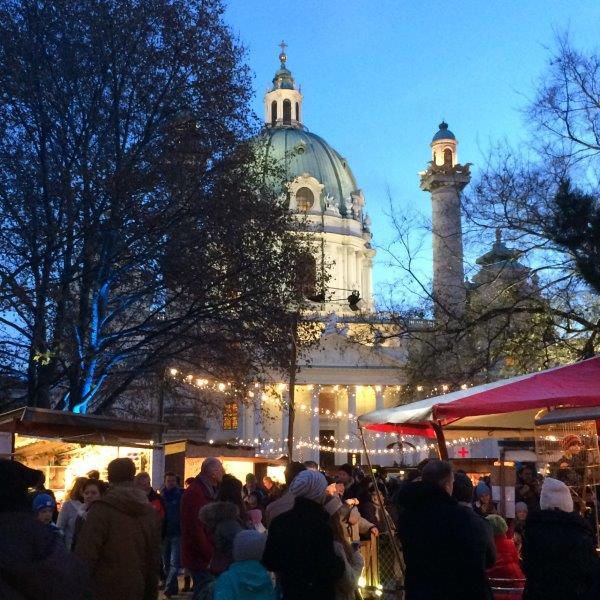 Bio Adventmarkt Karlsplatz