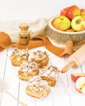 Hier ist ein zuckerfreier Apfel - Streuselkuchen zu sehen.