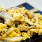 gebratene Austernpilze mit Eiern