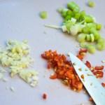 grüne Bohnen und Wurst gebraten