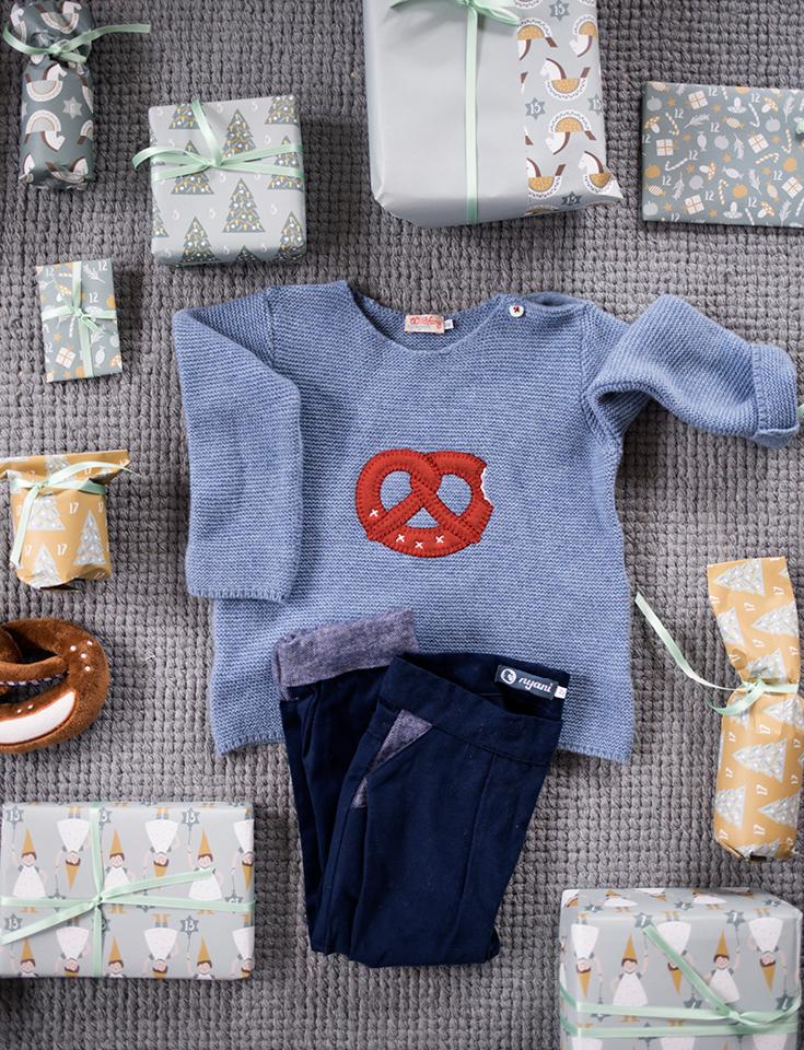 Nyani, Kinderkleidung, Brezen-Motiv, Brezen-Pulli, Bayerischer Kinderpulli