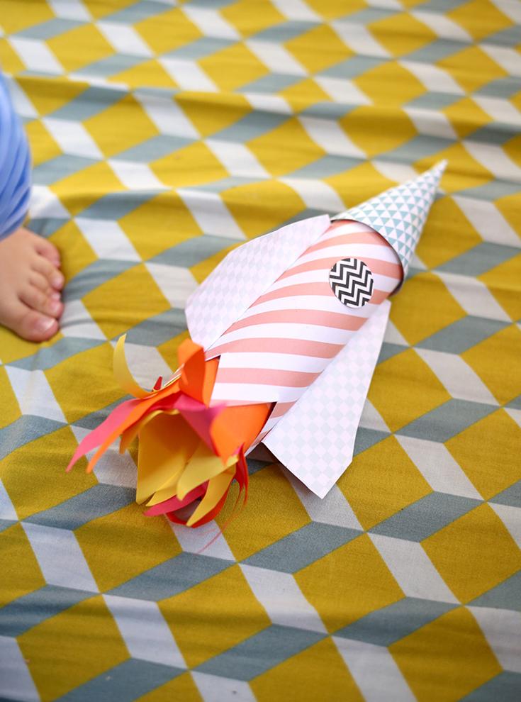 DIY-Papier-Rakete, Basteln mit 2-Jährigem, Rakete zum Basteln