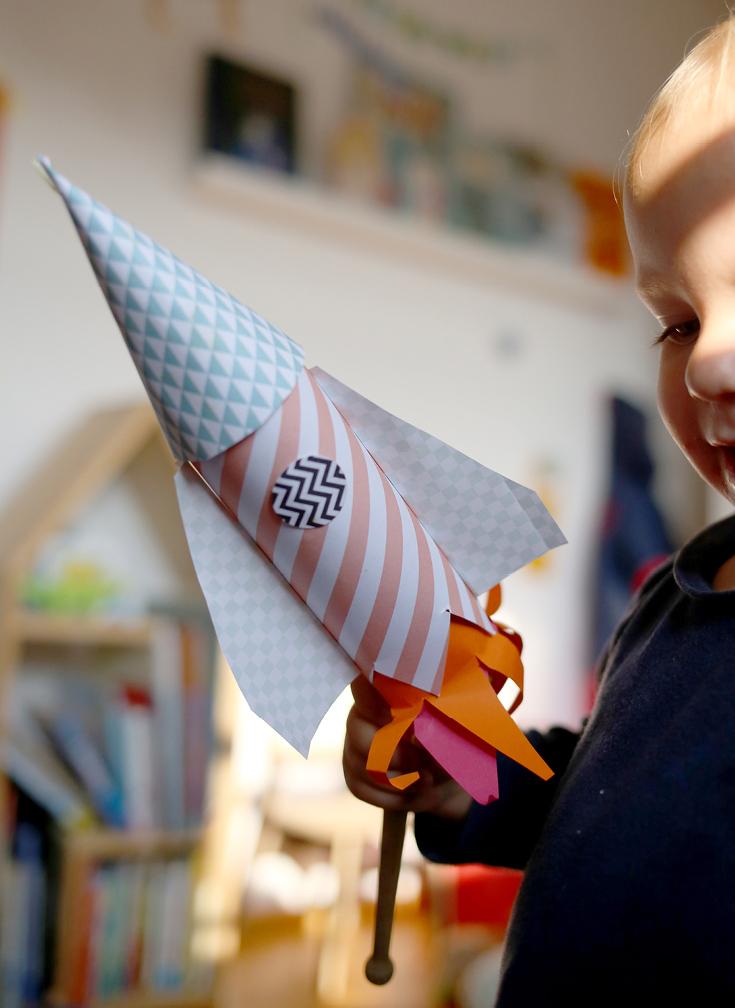 DIY-Papier-Rakete, Basteln mit 2-Jährigem, Rakete zum Basteln, Basteln mit Kleinkindern