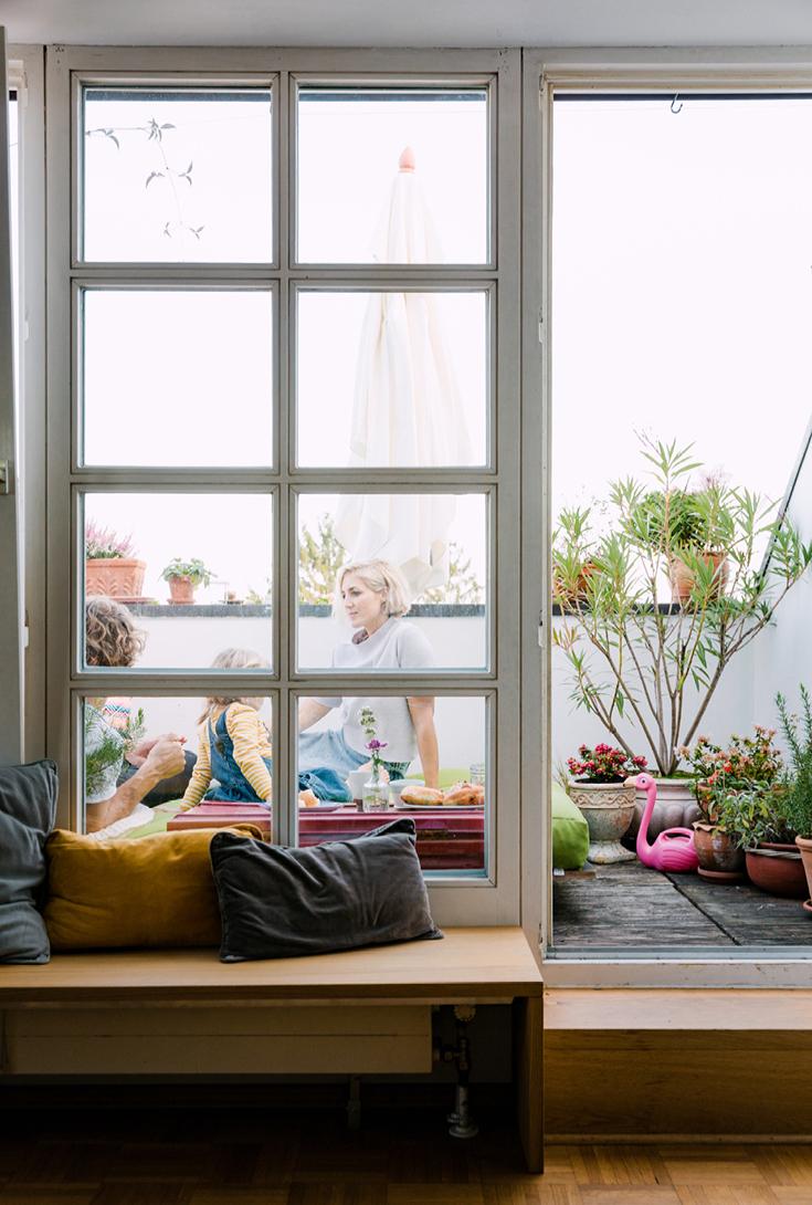 Blick auf den Sonnen-Balkon aus dem Buch »tiny balcony« von GU