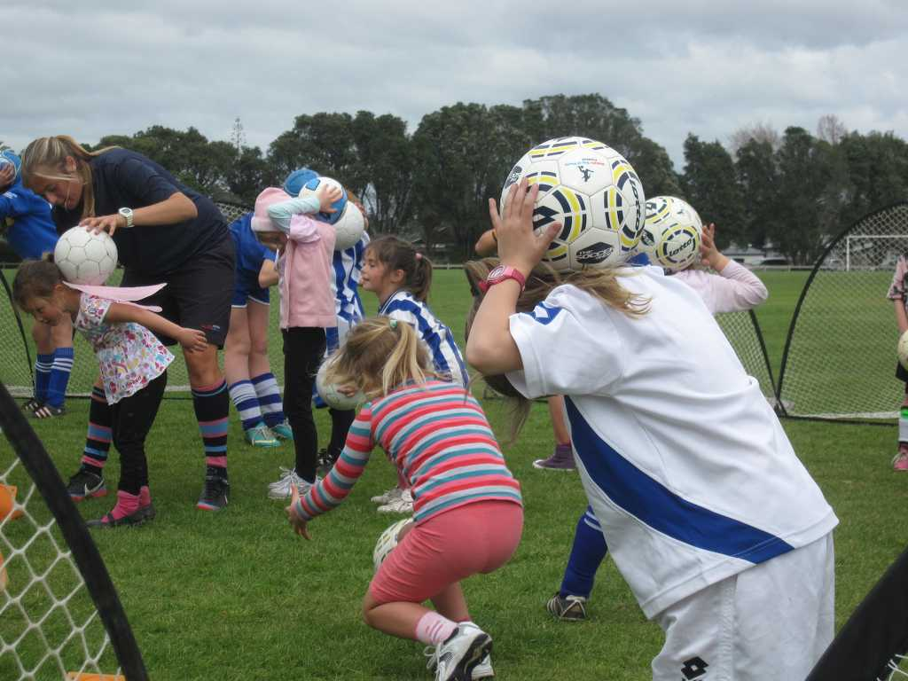 Eir Soccer Becca Todd kids practice IMG_8497