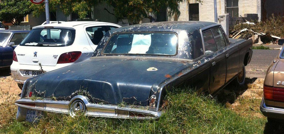 broke-down-car