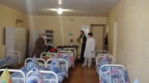 Священник освятил больничные палаты