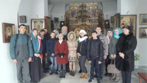Старшеклассники в день православной молодежи посетили храм Казанской иконы Божьей Матери