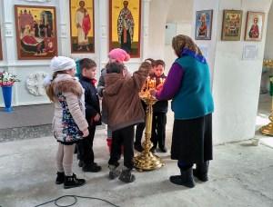 В храм Рождества Пресвятой Богородицы станицы Челбасской пришли второклассники