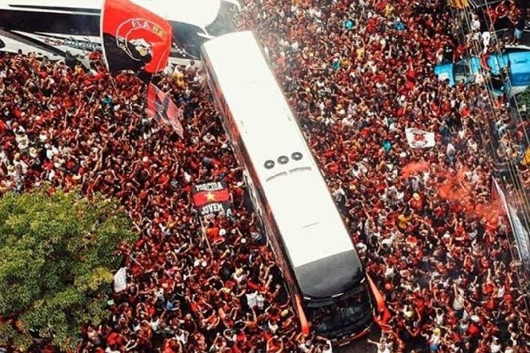 Flamengo Embarca Para Lima Após Passar Por um