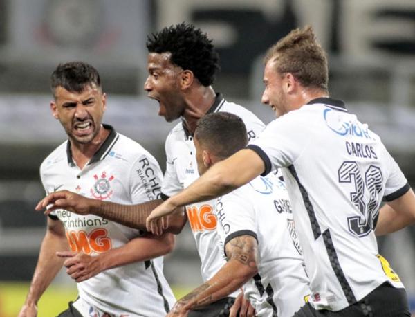 Gol do Corinthians x Palmeiras na Volta do Paulistão