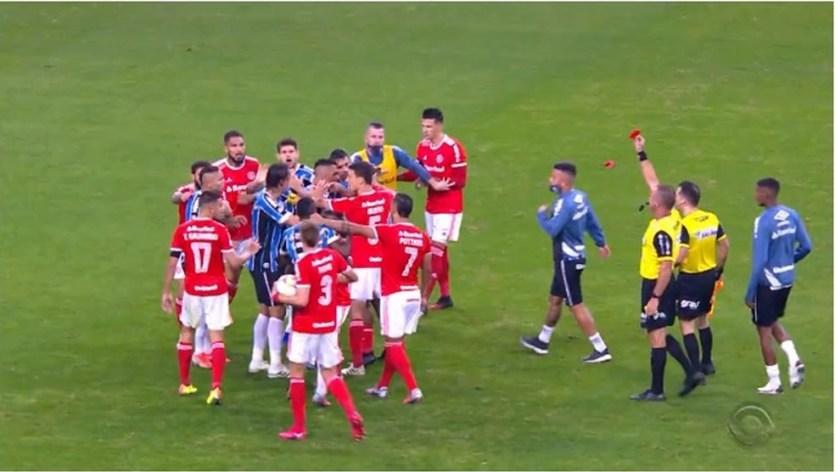 Cartões e Briga Entre Grêmio x Internacional