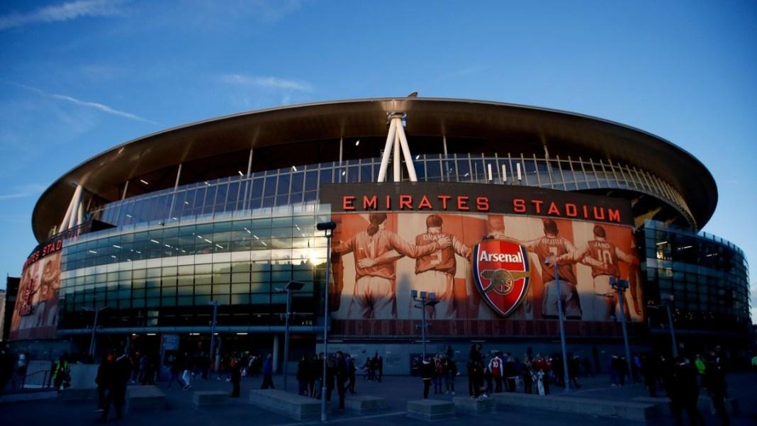 Estádio Emirates - Jogo entre Arsenal e SK Rapid Wien.
