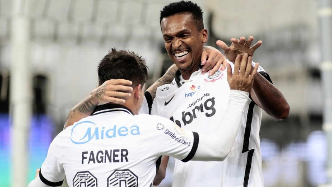 Corinthians Goleia Fluminense pelo brasileirão e segue em busca de uma vaga para a Libertadores
