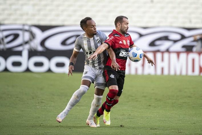 Tropeço do Palmeiras, Fortaleza e Flamengo no Brasileirão 2021