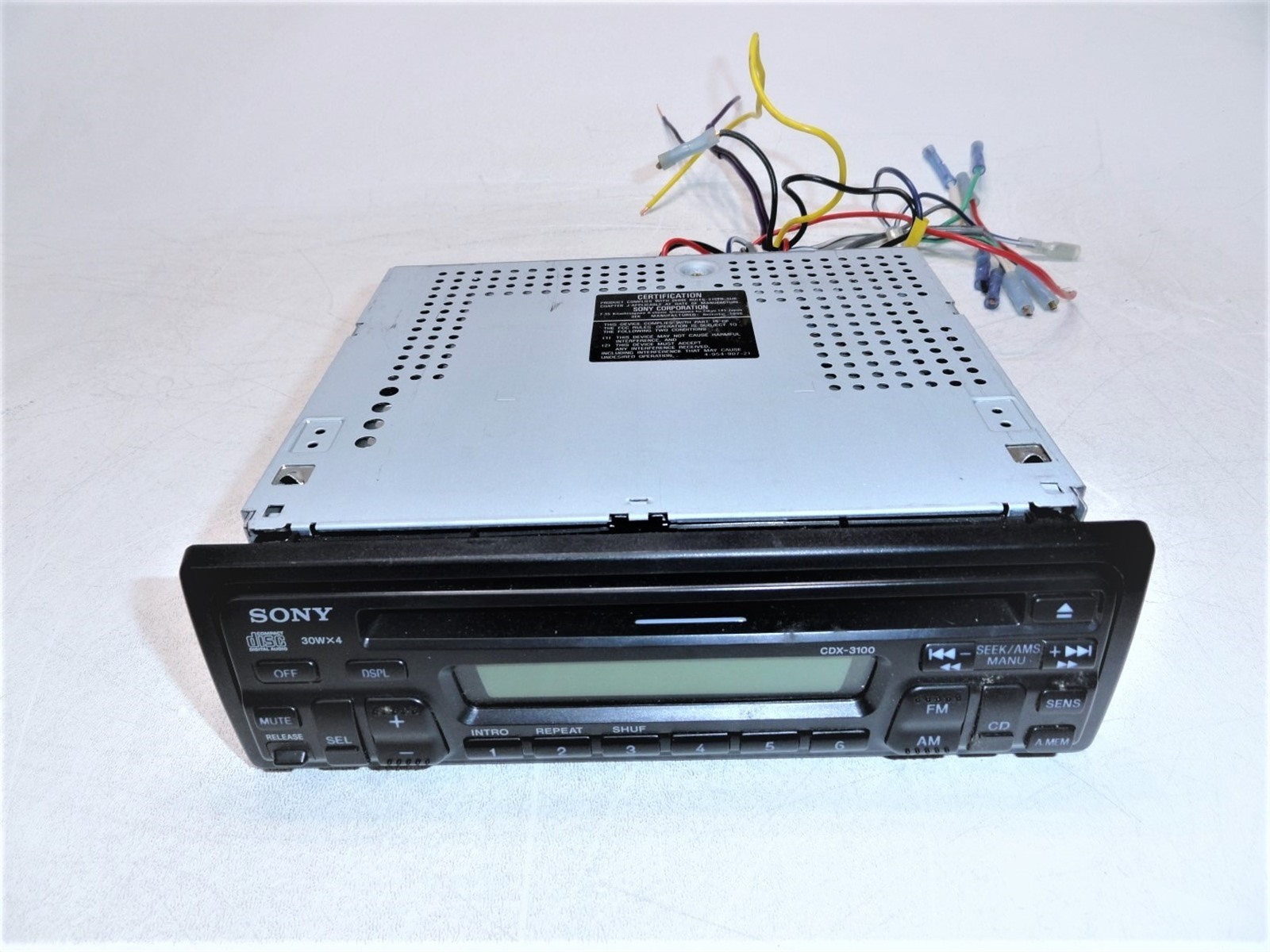 hight resolution of sony cdx 3100 fm am cd player 30wx4 car stereo w wiring harness limit test as is for parts or not working