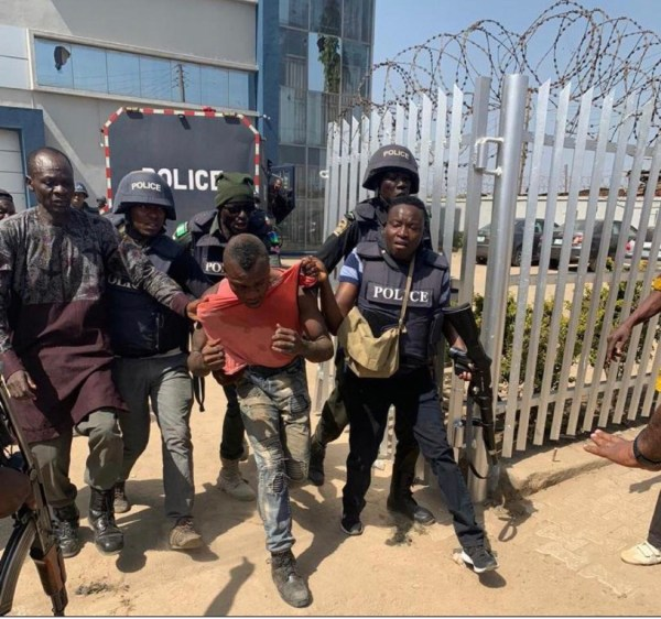 Photos and video of Abuja bank robbers