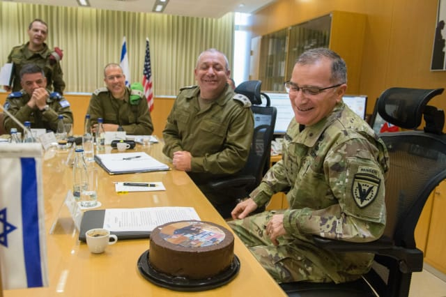 Eisenkot visiting EUCOM commander General Curtis Scaparrotti with a Chocolate cake (US officials favourite sweet) in honour of the visiting officer's birthday (Photo JP).