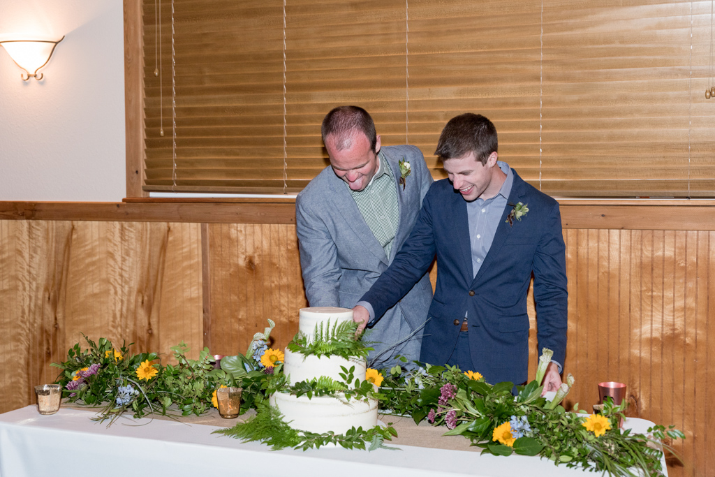 Columbia Gorge Wedding Planning - Cake Cutting Photo