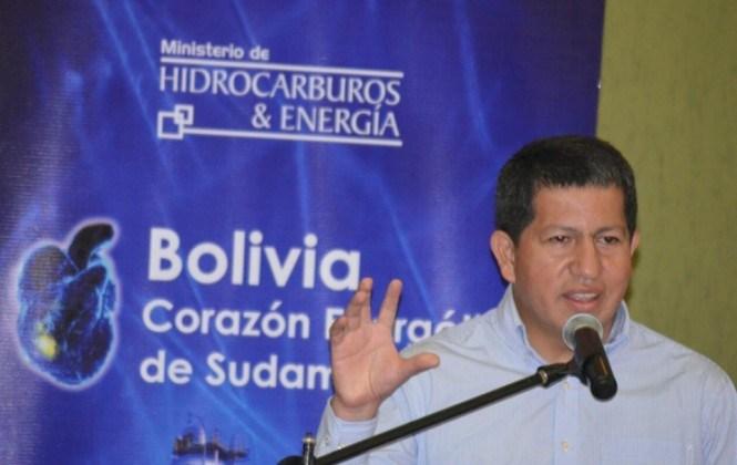 Ministro anuncia que en pocas semanas se firmará contrato de venta de energía a Argentina
