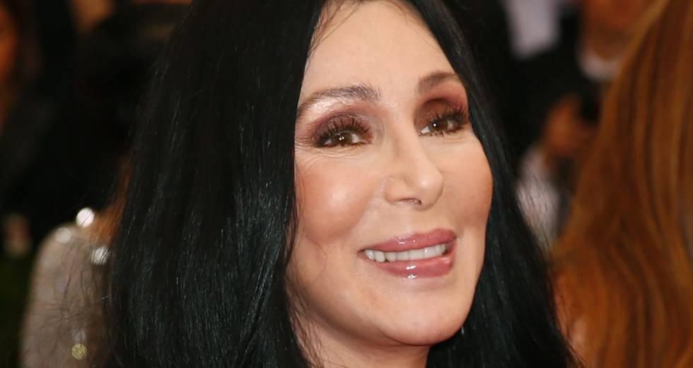 Cher se declara firmemente partidaria de los retoques estéticos.