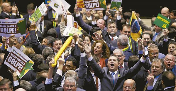 los votos contra dilma 367 diputados respaldaron el impeachment La votación duró varias horas y fue seguida en vivo y directo por televisión a escala internacional