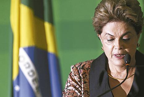 Dilma Rousseff compareció un día después de la votación. Su rostro lucía calmado y entristecido.El viernes denunció golpe ante la ONU