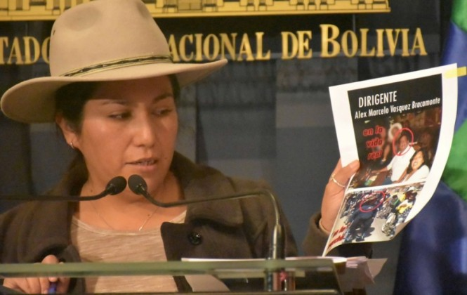 "Ministra Paco cree que la Iglesia muestra actitud ""meramente politiquera"""