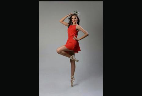 Yesenia Barrientos, srta. Santa Cruz 2016, lleva 11 años ligada a la danza. Es profesora en Danzarte