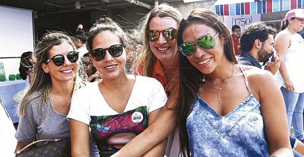 Aline Santade, Gabriela Hurtado, Paola Heredia  y Adri Pareja lucieron moda en los ojos. Un Diseño más lindo que el otro