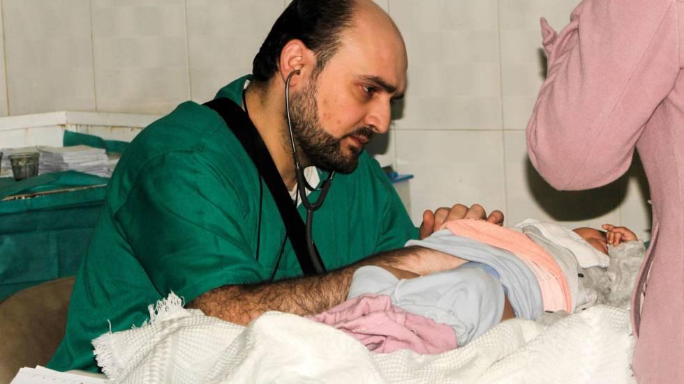 El pediatra Mohamed Maaz, en su hospital de Alepo el 20 de febrero