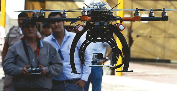 El contrato por más de Bs 3,7 millones sirvió para adquirir en 2014 este dron y un camión equipado para tareas de vigilancia policial