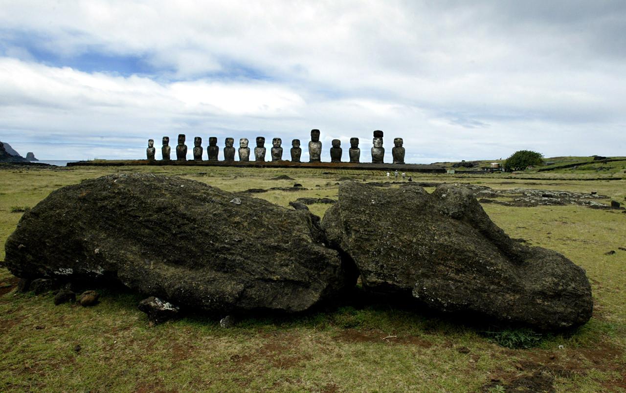 Las estatuas de la Isla de Pascua, Chile.