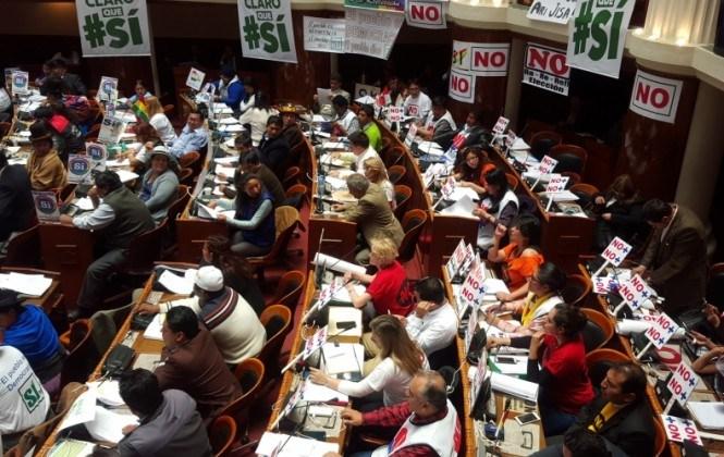 La oposición rechaza abrir la Constitución para evitar que se introduzca la repostulación