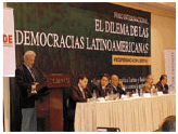 El neopopulismo amenaza la democracia de América Latina