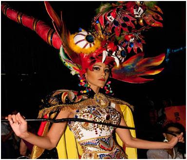 Robo  Miss Perú vistió el traje de la diablada a pesar de las protestas de  Bolivia 5d5ad110c52e