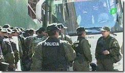 POLICIASrumboacaranaviparadesbloqueo