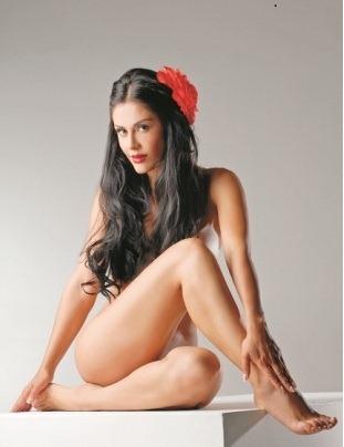 Carla Entre Las Latinas Mas Sexis
