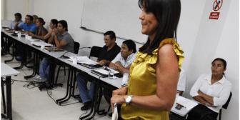 Santa Cruz. Asoma riesgo de ingobernabilidad en Municipio tras suspensión de Desirée