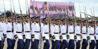 Evo sugiere que policías y  militares obesos no asciendan de grado