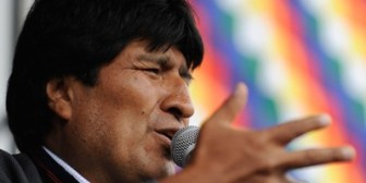 Hitler, Mussolini y Evo Morales