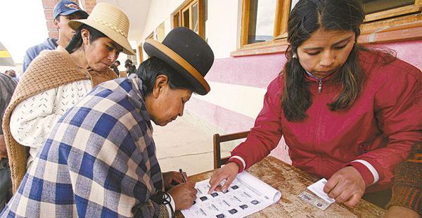 Bolivia registra uno de los niveles más altos de participación en los procesos electorales de las últimas tres décadas desde 1982, cuando se recuperó la democracia del largo periodo dictatorial y autoritario