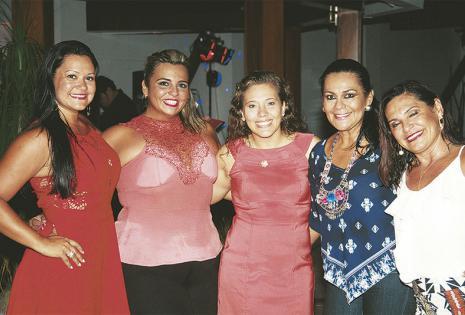 /organizadoras. Bella Cadore, Katherine Atalá, Martha  Ugarte, Sisy Marchetti Y 'Chachi' Callaú bailaron toda la noche
