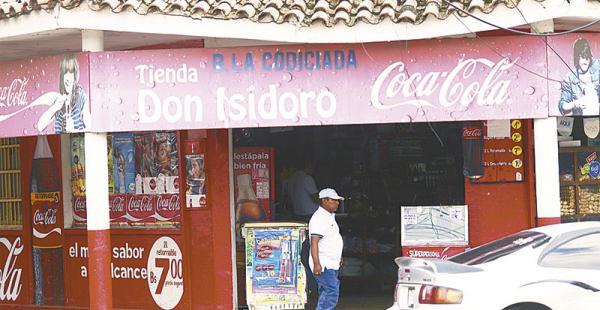 En la esquina Barrón y Suárez Arana solo queda el nombre en el letrero de esta antigua pulpería